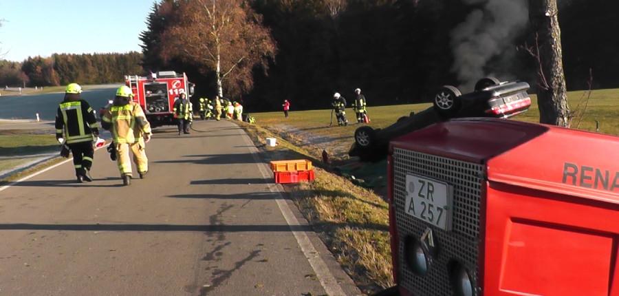Feuerwehren aus dem Oberland und Johanniter Rettungsdienst Plauen üben den Ernstfall